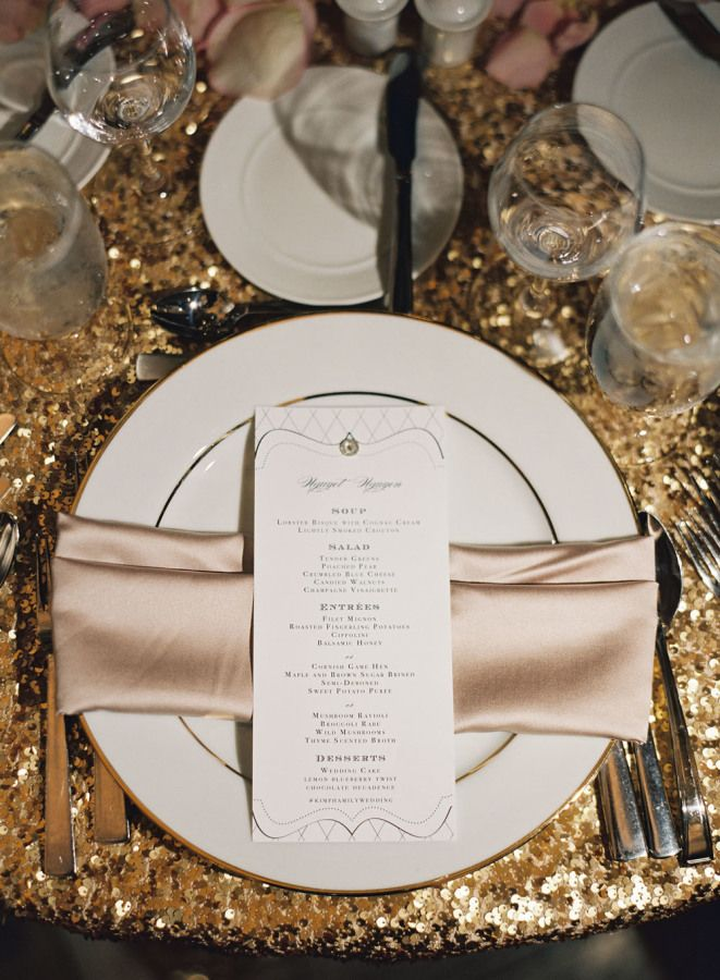 Blush gold and black Wedding table setting | fabmood.com