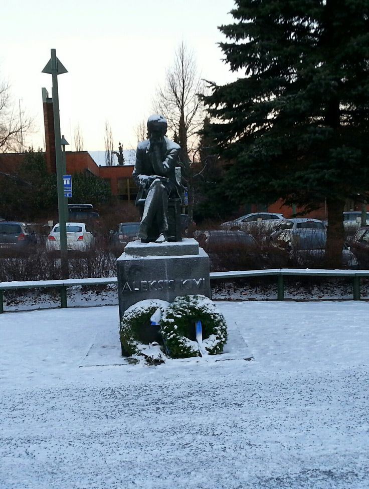 December 16 , 2016 . Statue : ALEKSIS KIVI  in Nurmijärven kirkonkylä . NURMIJÄRVI  . FINLAND  .