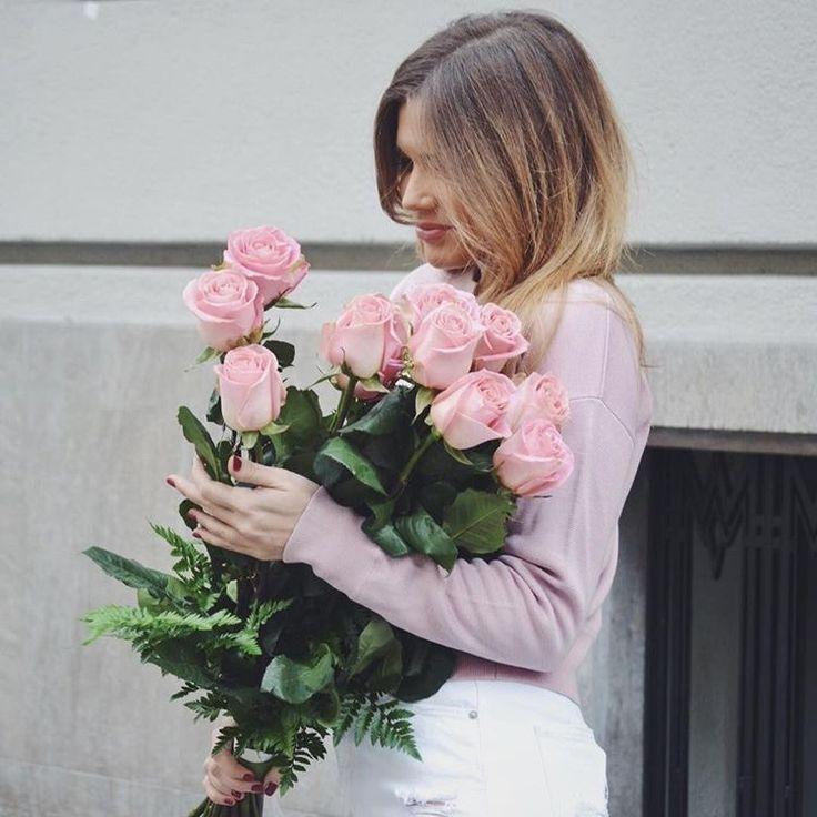 @isabelmarind y su ramo de rosas rosas <3