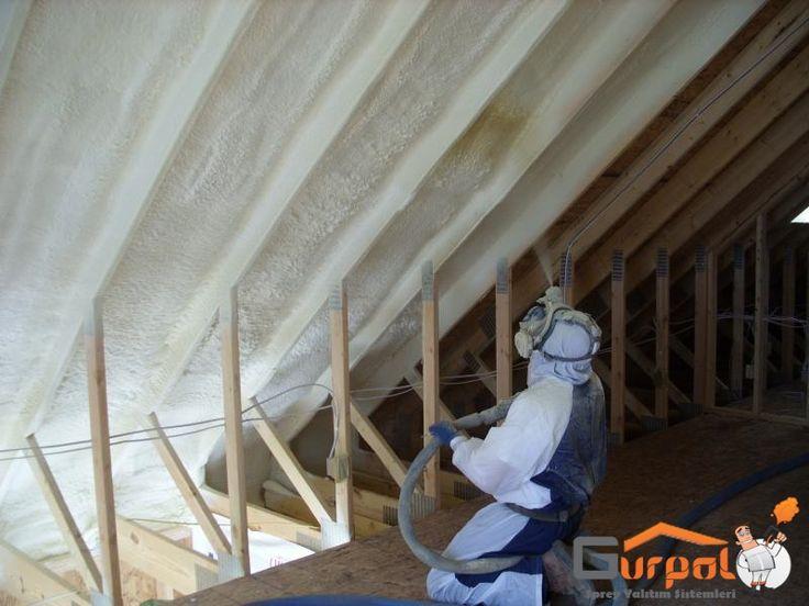 Sprey poliüretan uygulaması inşaat sektöründe temelden çatıya ek yeri olmadan ısı yalıtımı uygulamasını olanak sağlar.