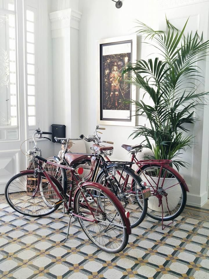 Vintage bikes at the lobby