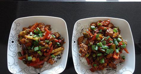 Prosty, błyskawiczny obiad po chińsku. Polecam danie szczególnie fanom kuchni chińskiej. Kurczak jest bardzo aromatyczny, odbiega od tego ...