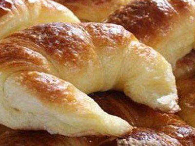 Medialunas de manteca Super faciles (fotoreceta) - Taringa!
