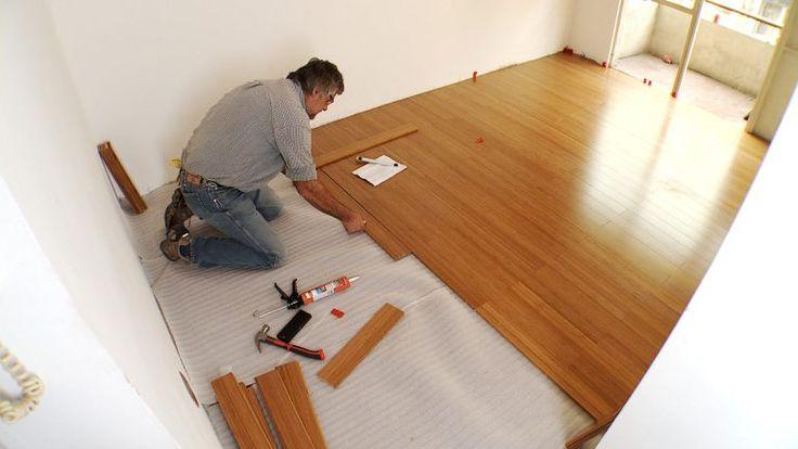 Aprende cómo instalar un piso flotante de madera sólida en menos de 9 minutos – manos a la obra