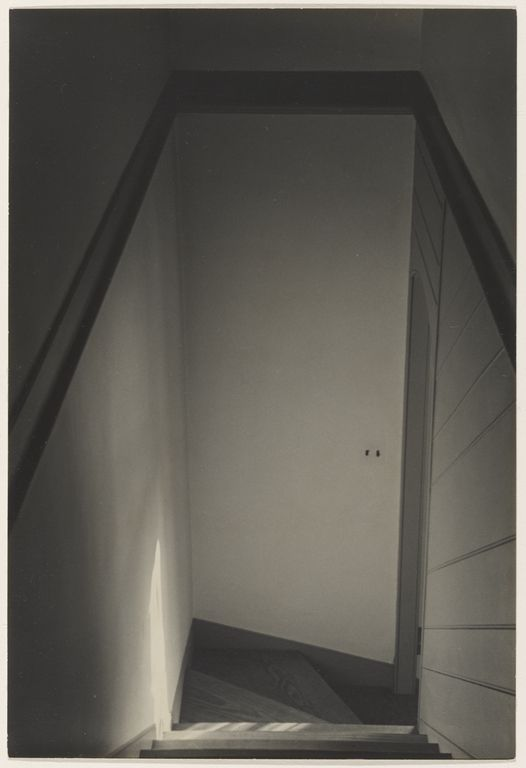 Stairwell, Williamsburg (1935). Charles Sheeler