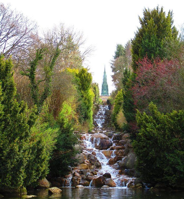Parques de Berlim: Viktoria Park, Mauerpark e Tempelhofer Feld   viktoriapark cachoeira berlim