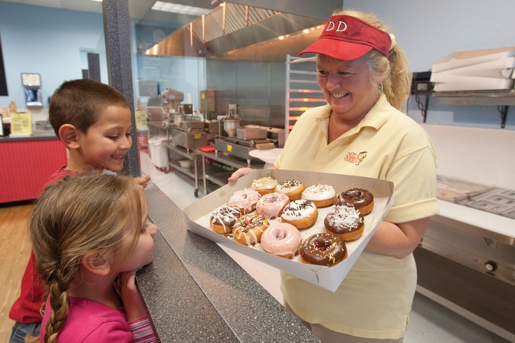 Duck Donuts - A true Outer Banks vacation treat, the donuts are warm, delicious and made to order! Muffins, yogurt, breakfast sandwiches, coffees and beverages. Locations in Duck, Kill Devil Hills and Kitty Hawk, too.