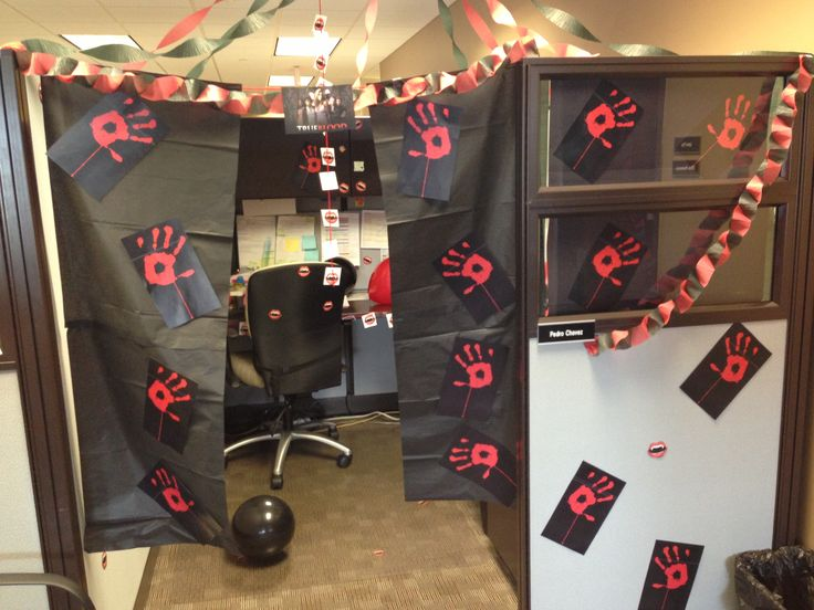 21 best images about cubicle office decorations on for Cool stuff for your cubicle