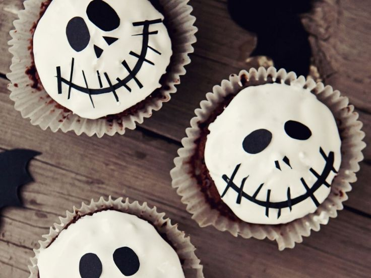 Spooky Halloween cakes and bakes