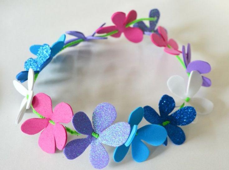Basteln mit Moosgummi - Frühlingsdeko Blumenkranz aus Moosgummi Blumen