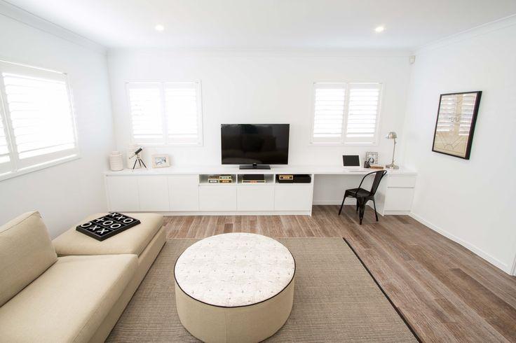 Living room. Timber floorboards.