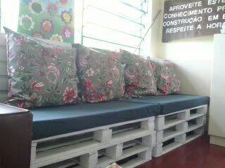 Sofá de Pallet da escola - Sala dos Professores