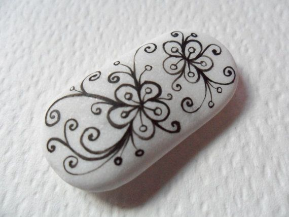 Victoriana flowers - Hand painted black & white English sea pottery art magnet