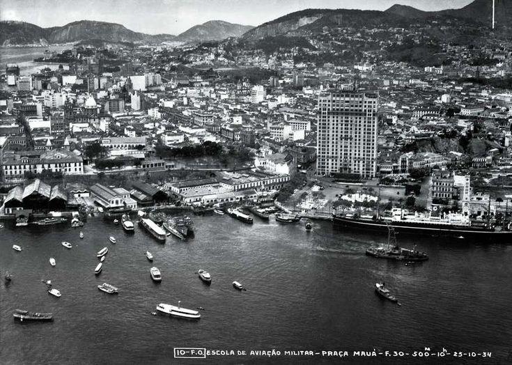A Praça Mauá e o edifício A Noite, o primeiro arranha-céus da América Latina (1934)