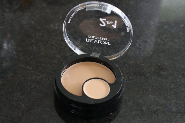 Revlon 2-in-1 Colorstay Compact review - Lena Talks Beauty