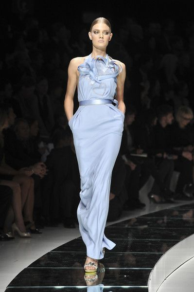 Versace at Milan Fashion Week Spring 2009 - Runway Photos