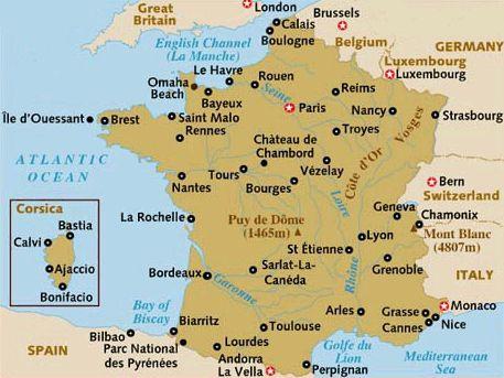 Un viaje a Normandía en 4 días que nos llevó a visitar lugares como los Acantilados de Étretat, Honfleur las Playas del Desembarco, el Mont Saint Michel.