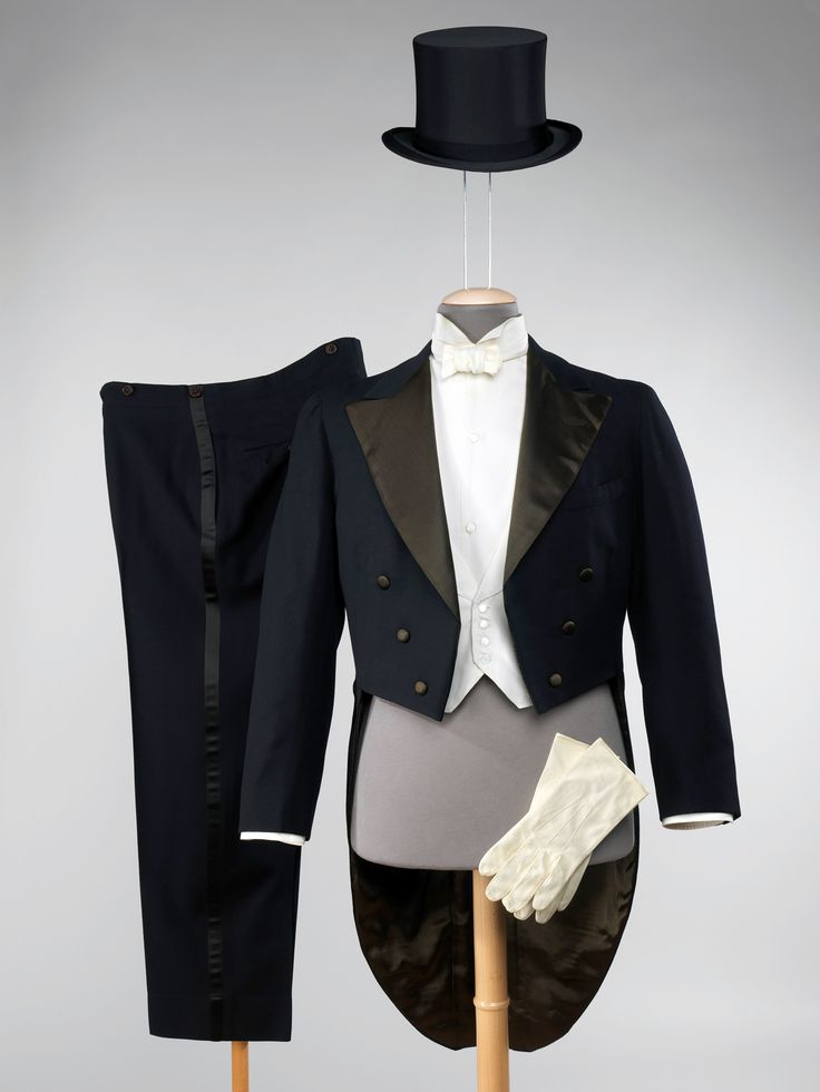 voxsart:  1947. Full evening dress by Brooks Brothers.