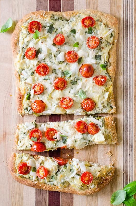 Spinach Artichoke Flatbread via @Melinda W W Novak | made on Sunday for my husband and myself... great flavor combos & easy for any night. Fresh & tasty!