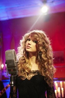 Hey, Curly! #taylorswift