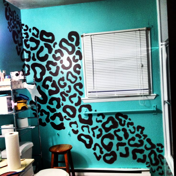 Hand painted leopard print wall paint. Animal print wall ...