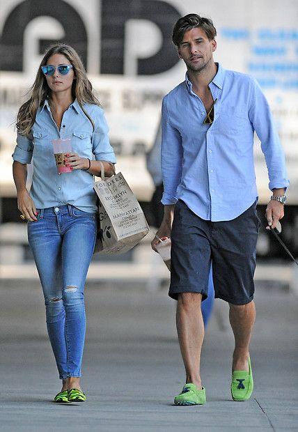 Fashion: Ihre ganz in Blau gehaltenen Outfits kombinieren Olivia Palermo und Johnnes Huebl beide mit knallgrünen Schuhen.