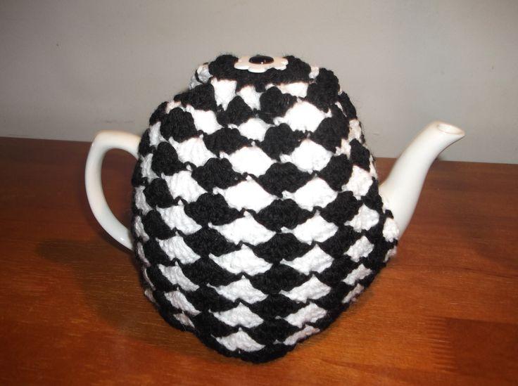 Black n White Teapot Cosy