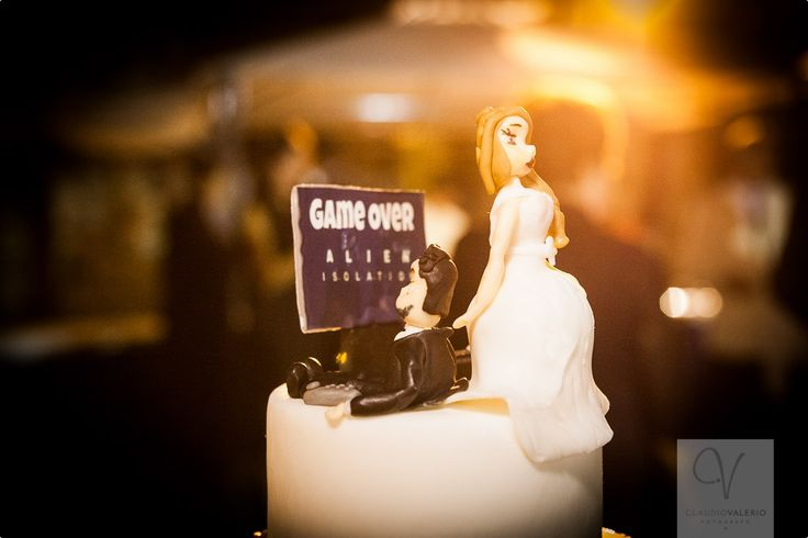 C&C Wedding cake, inspired to the groom's job with video games!! #wedding #cake #design #cakedesign