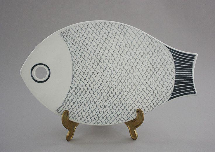 Arabia. Cutting board Fish. Kaarina Aho.