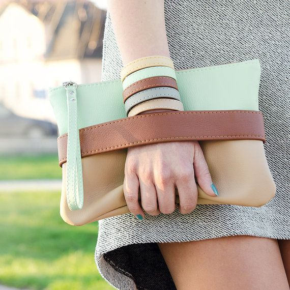 Embrayage Clutch bag « CarryMe », sac à main menthe, cuir vegan, boho