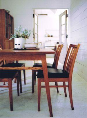 TRUCK FURNITURE - Quattro Dining Table
