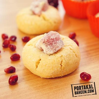 Siparişinizle hazırlanan, özel ambalajlarıyla gönderilen Nar Lokumlu kurabiyelerimiz tam size göre!    http://www.portakalbahcem.com/urun/nar-lokumlu-kurabiye/