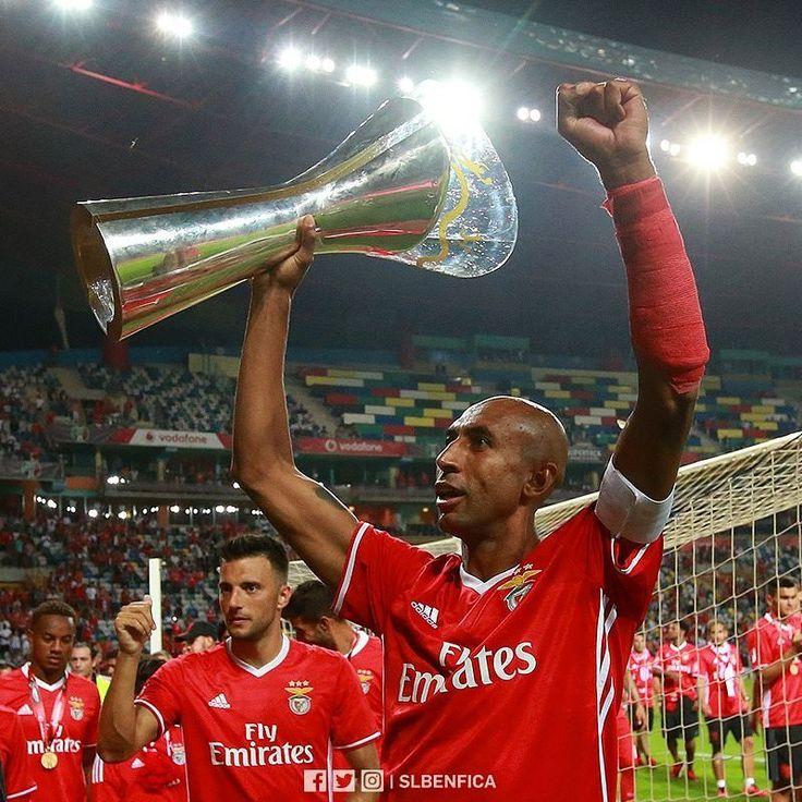 """27.2 m Gostos, 59 Comentários - Sport Lisboa e Benfica (@slbenfica) no Instagram: """"O jogo da Supertaça Cândido de Oliveira vai ser disputado no Estádio Municipal de Aveiro a 5 de…"""""""