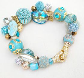 I like the color combo of light turquoise and gold. Bohemian BEAD Bracelet DIY