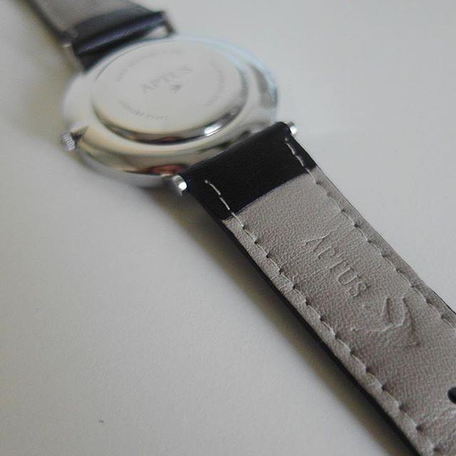 Diskreta detaljer är minst lika viktiga som klockan i sig för oss på Aptus Watches.