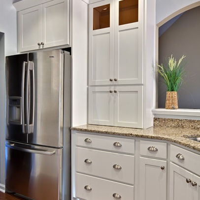 White cabinets/cup pulls