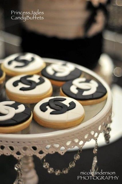 Chanel cookies: Chanel Parties Ideas, Chanel Cookies, Coco Chanel, Desserts Ideas, Birthday Parties, Theme Parties, 40Th Birthday, Chanel Theme, Party Ideas