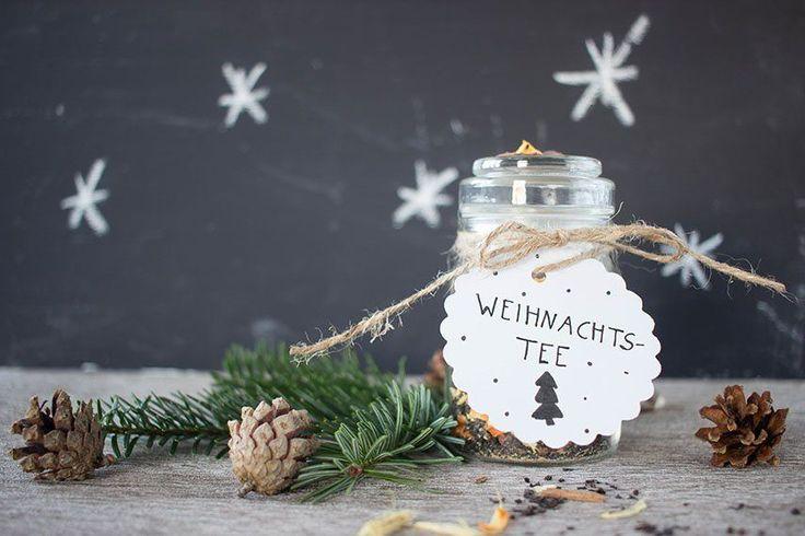 Meine Lieben, ich hoffe ihr hattet einen zauberhaft schönen Nikolausmorgen und einen gemütlichen 2. Advent. Ich genieße es immer total an den Adventssonntagen gemütlich zu frühstücken und danach irgendwas zu unternehmen. Wir besuchen heute einen Weihnachtsmarkt auf einem Landgut und ich bin schon ganz gespannt  Aber nun öffne ich für euch erstmal das 6....Weiterlesen »