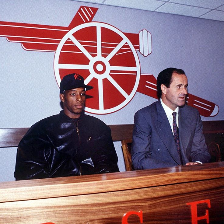 Ian Wright signing for Arsenal