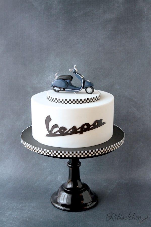A vespa cake with a handmade fondant vespa - Eine Vespa Torte mit original Schriftzug und modellierter Vespa aus Fondant mit Anleitung und Schritt-für-Schritt Fotos
