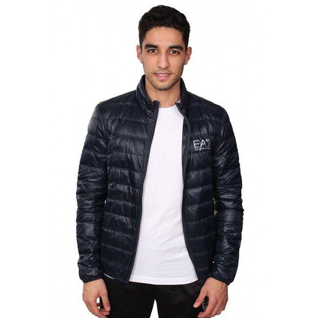 Cette boutique Armani EA7 propose des t-shirts et des survêtements Armani, vraiment pas cher, profitez-en ! http://www.ea7-armani.com/