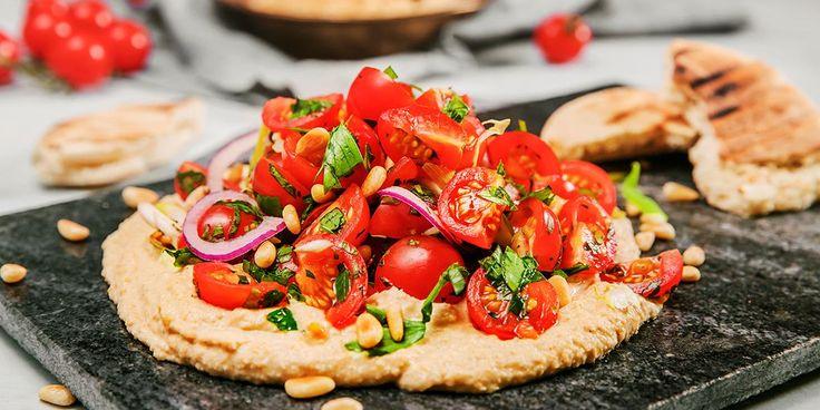 Hummus med tomatsalat