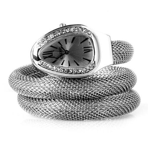 Quartz Watch with Diamonds Heart Dial Steel Mesh Strap