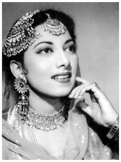 Vintage bollywood. Shop for mangtikkas and your wedding jewellery with Bridelan - a personal shopper & stylist for weddings. Website www.bridelan.com #Bridelan #mangtikka