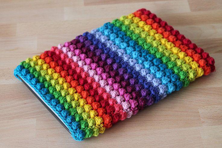 Rainbow bobble sleeve, a free crochet pattern on haakmaarraak.nl!