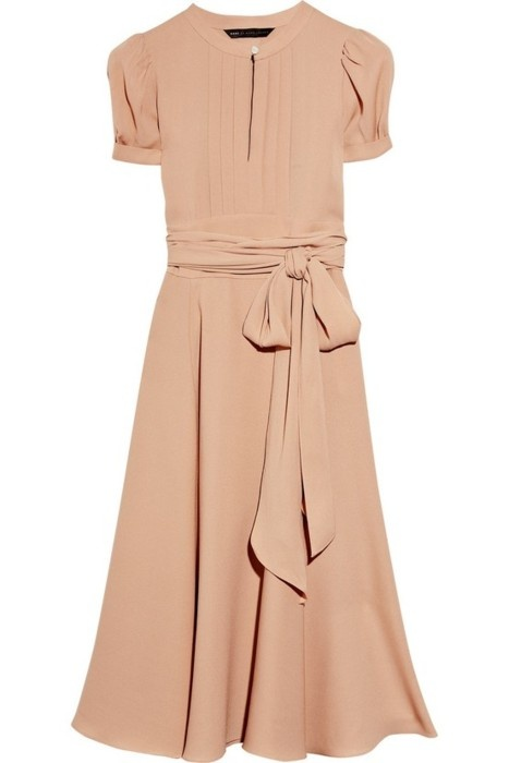 Timeless dress in nude