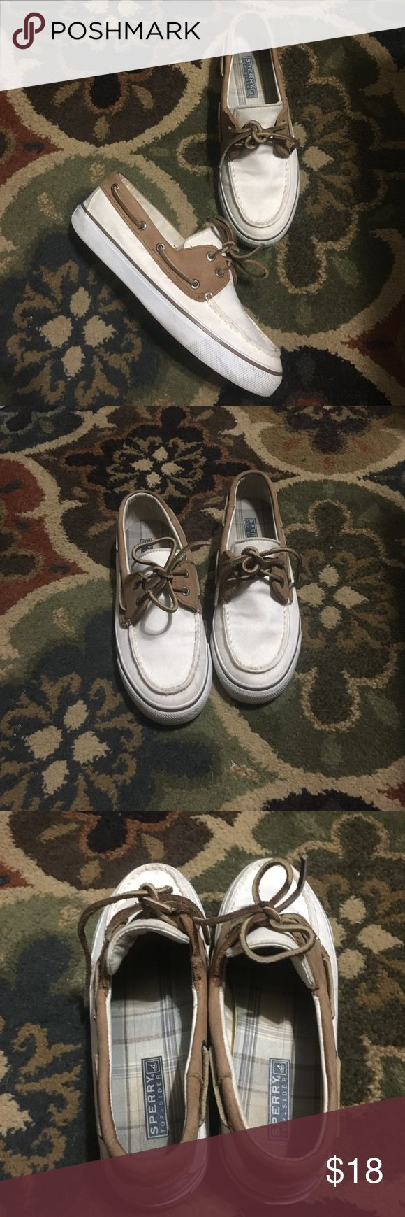 Sperry Topsider boat shoes - size 6.5 White Sperry Topsider shoes in good used condition. Size 6.5. Price reflects wear Sperry Top-Sider Shoes