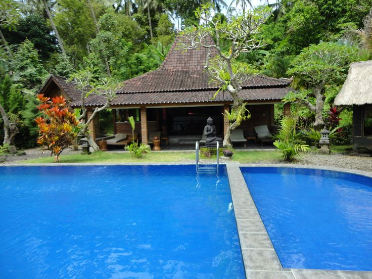 You can have your own party at this pool and bar in the mountains of Bali
