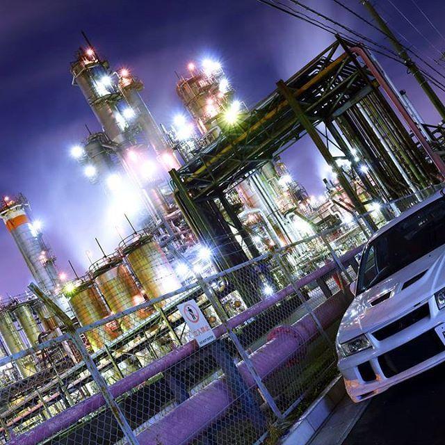 Instagram【nissyan_le】さんの写真をピンしています。 《魔法🔯学校っぽい✨  #ホグワーツ#魔法 #工場#夜景#工場夜景 #三菱#ランサー#ランサーエボリューション #nightviews#nightview #factory#industrial#industrialdesign #MITSUBISHI#LancerEvolution#CP9A #Evo6#evo65#evo6tme#ralliart #TommiMakinenEdition#Evogram #4g63gram#4g63nation  #Canon#EOS#EOS100D#EOSkissX7》