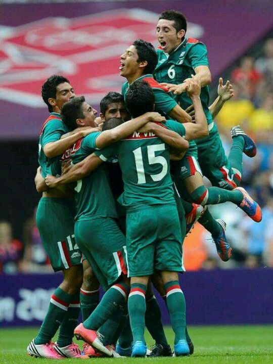 Olympic gold for MEXICO soccer team! <33333333 LOVE LOVE LOVE